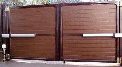 Выбираем распашные ворота